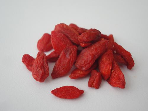 Suplementy i sok z jagody acai i goji jagody a for Jagody goji w tabletkach