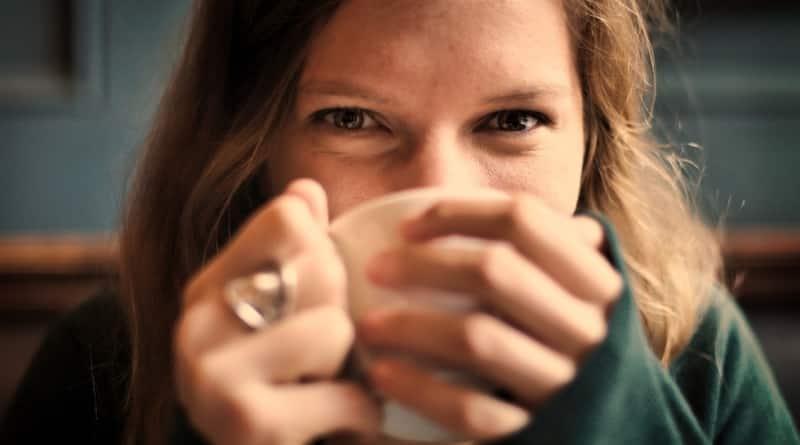 zielona kawa i herbata picie